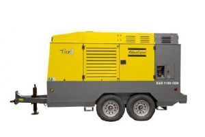 Air compressor / screw / oil-injected / mobile